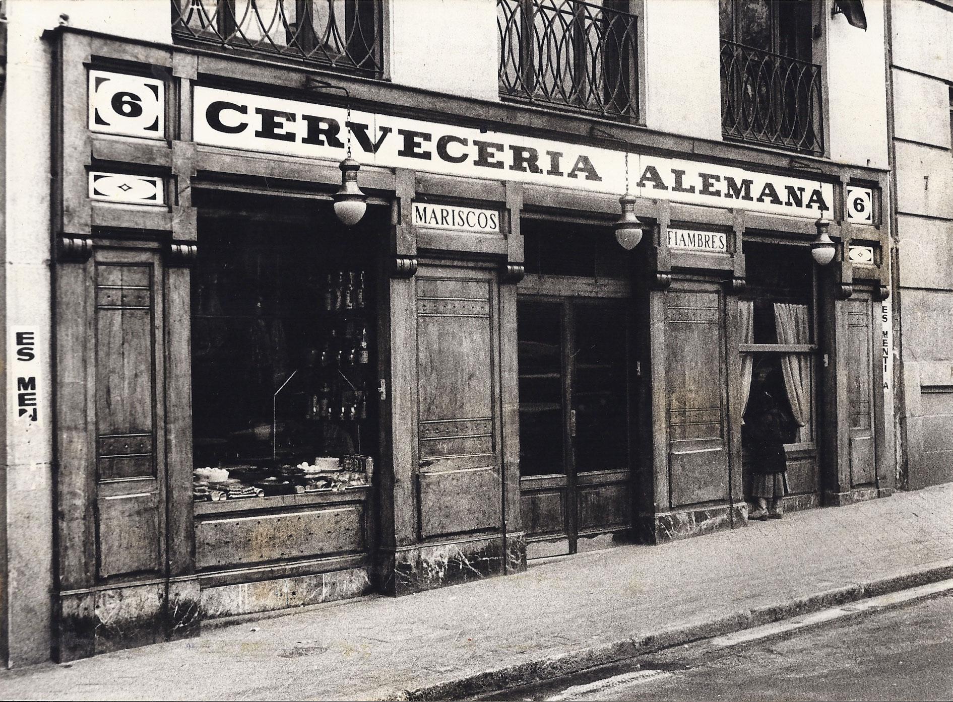 1904, LA ALEMANA OPENS ITS DOORS